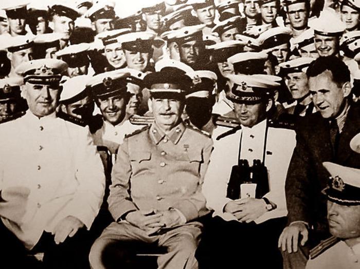Сталин и партия поддержали амбициозный проект. /Фото: myseldon.com