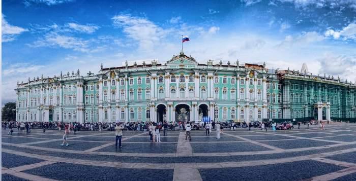 Самая известная резиденция российских императоров. /Фото: pitertours.com