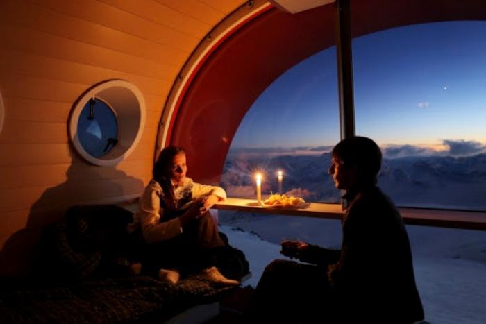 В комфортных условиях любоваться видом намного приятнее. /Фото: elbrusadventures.ru