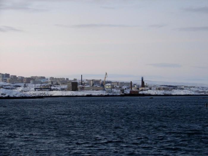 Вид на Островной со стороны Гремихи. /Фото: fresher.ru