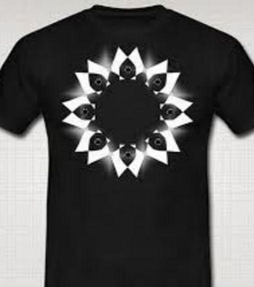 Сверкающая футболка. /Фото: pikabu.ru