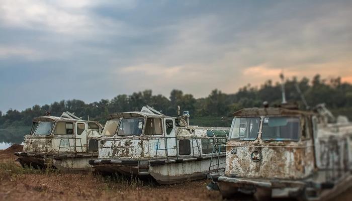 Глиссирующие суда серии  «Заря» на кладбище кораблей в Белом море. /Фото: pikabu.ru