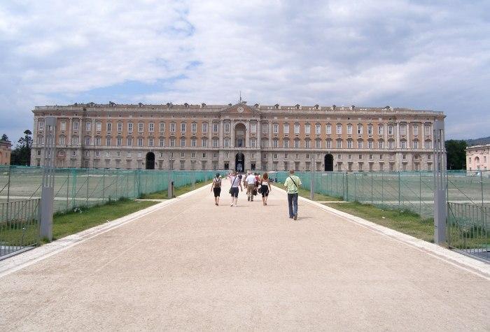 Дворец для династии Бурбонов в Италии. /Фото: mapcarta.com