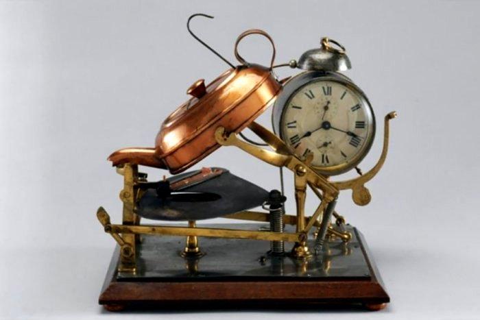 Будильник Хатчинса, конец 18 века. /Фото: newsyou.info