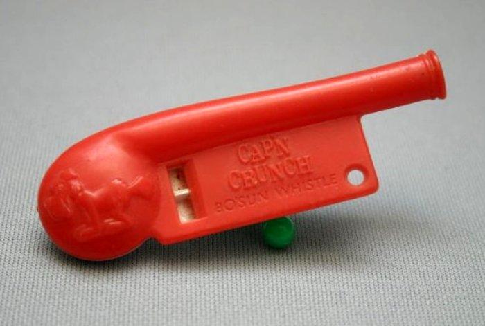 Детский свисток в руках талантливого инженера стал инструментом для взлома. /Фото: techcult.ru