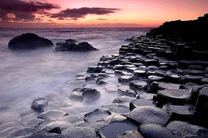 Последствия древнего извержения приняли столь живописные формы. /Фото: centerblog.net