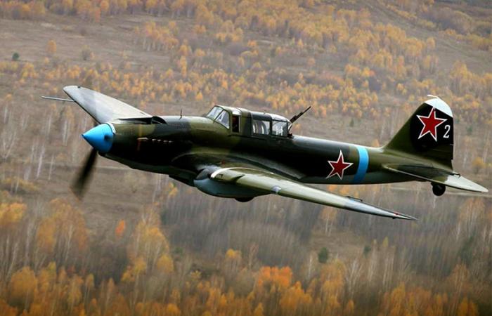 Почему некоторые звездочки на самолетах во время войны не только закрашивали,