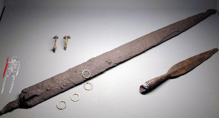 Изделия периода железного века. /Фото: Wikipedia.org