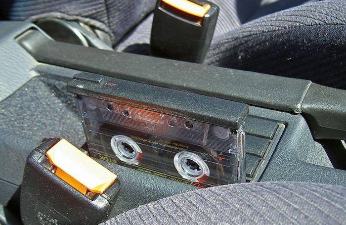 Коллекция любимых песен прямо в салоне автомобиля. /Фото: ievenn.com