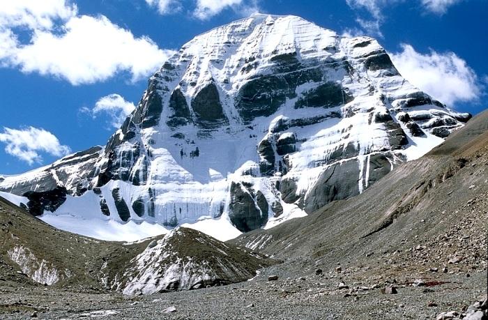 Покорению этой горы мешают сами люди. /Фото: 404content.com