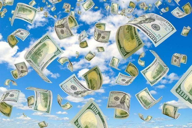 И деньги падают с неба. /Фото: chrontime.com