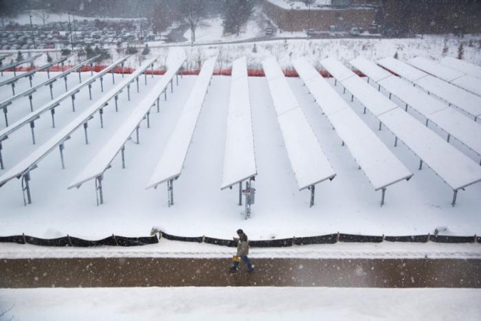 Новая технология позволит использовать солнечные батареи весь год. /Фото: enki.ua