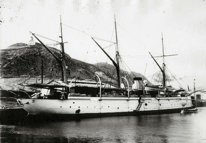 Канонерская лодка, сопровождавшая Варяг. /Фото: russian7.ru