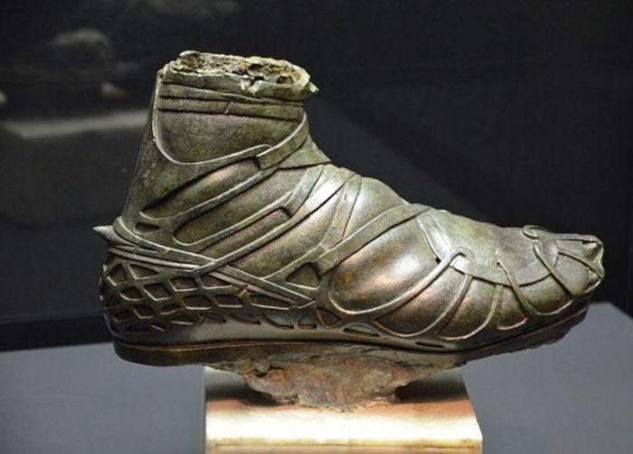 Римская обувь. /Фото: ratnet.od.ua