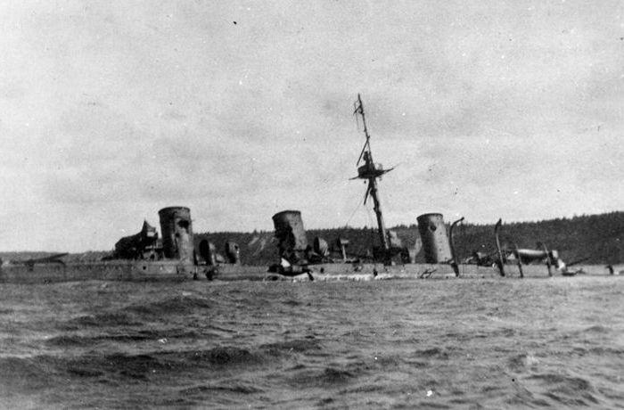 Крейсер предпочли затопить, чем отдать врагу. /Фото: Wikipedia.org