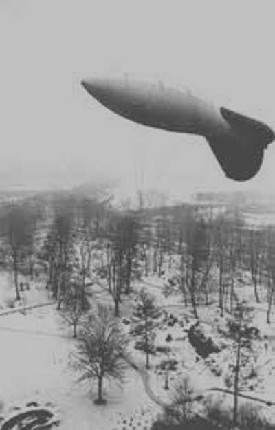 Благодаря изобретению талантливого лейтенанта, аэростаты вновь защищали город. /Фото: peoples.ru