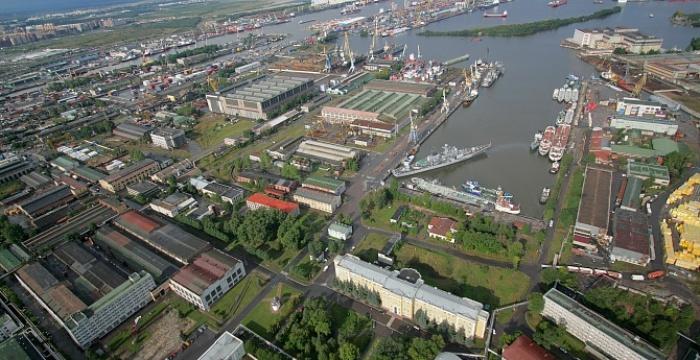 Общий вид на завод им. А. Жданова (ныне - Северная верфь). /Фото: nordsy.spv.ru