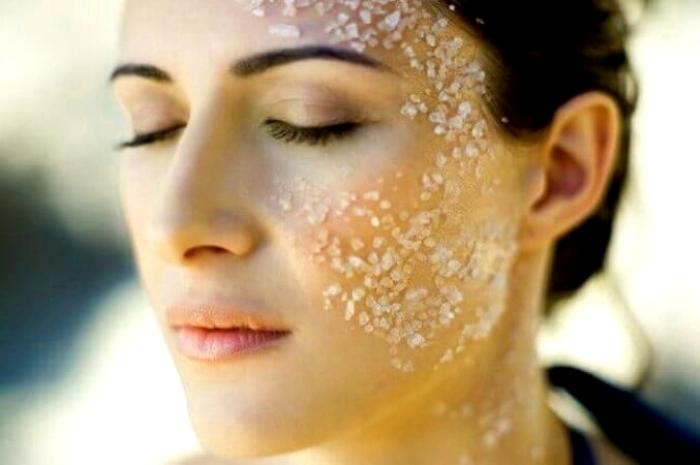 В косметологии все же лучше применять морскую соль. /Фото: blysk.space