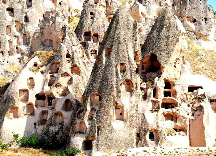 Необычные, но популярные много лет назад жилища. /Фото: grandutopia.com