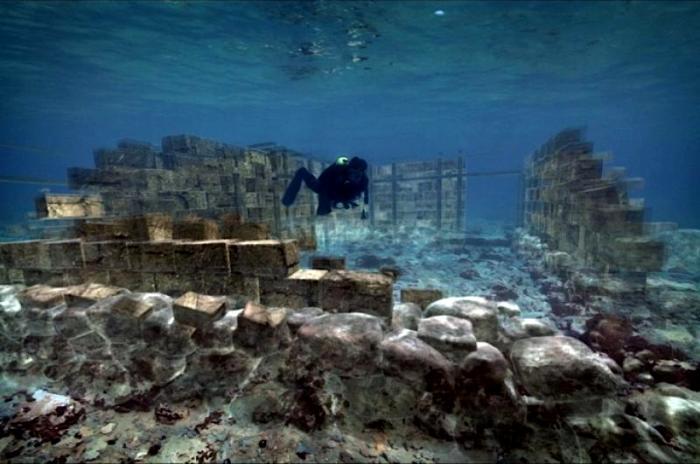 Едва ли не самый старейший затонувший город. /Фото: sworld.co.uk