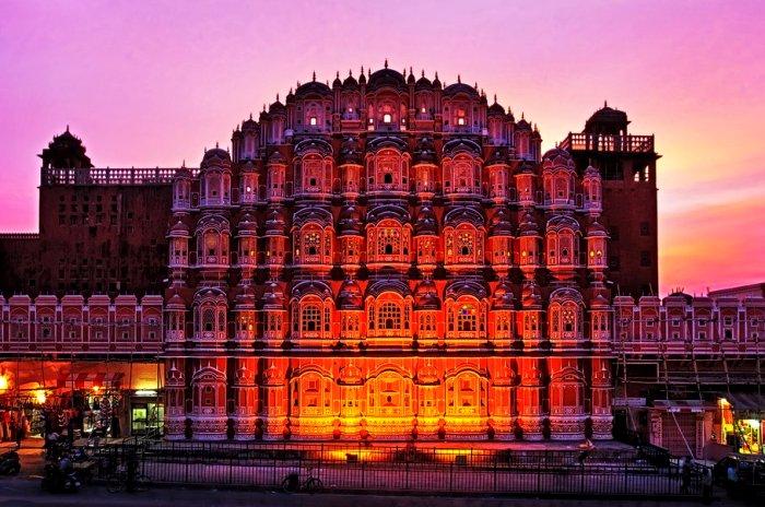 Индийский Дворец ветров. /Фото: wikiway.com