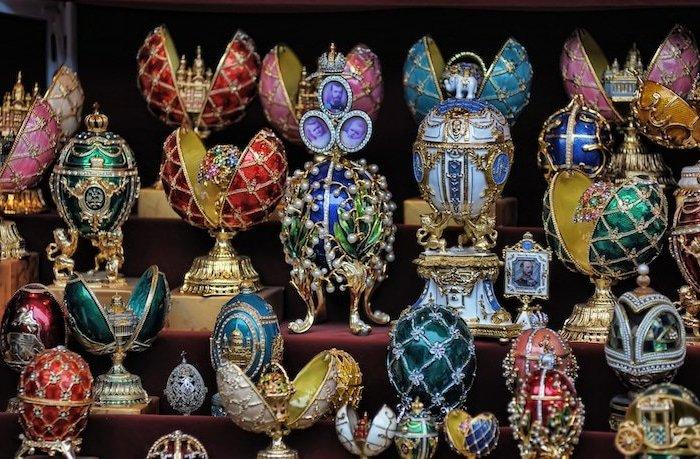 Красота и роскошь яиц Фаберже известна по всему миру. /Фото: pressa.tv