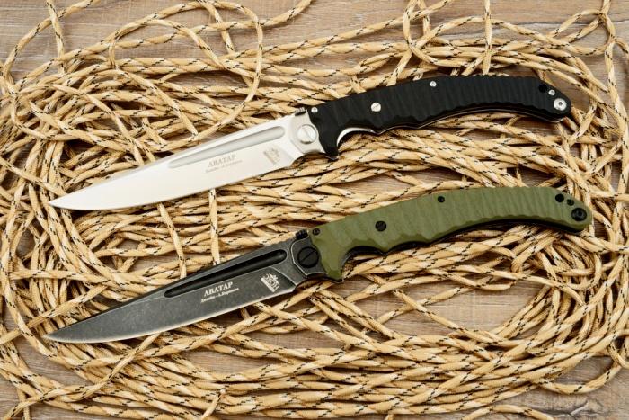 Нож выполнен в двух вариациях - с черным и белым лезвиями. /Фото: 3knife.ru