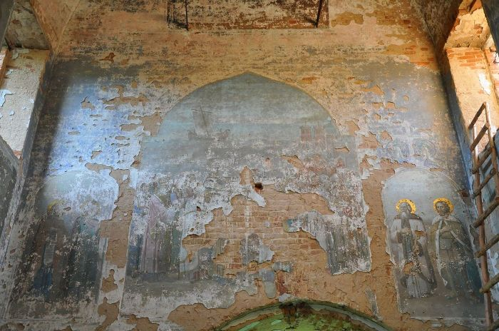 Так выглядит интерьер исчезнувшей церкви. /Фото: blogspot.com