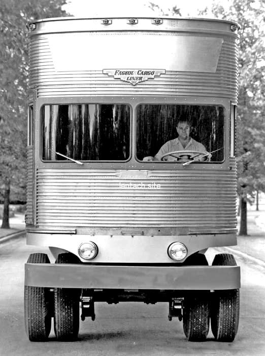 Уникальный грузовик спереди. /Фото: pinterest.ru