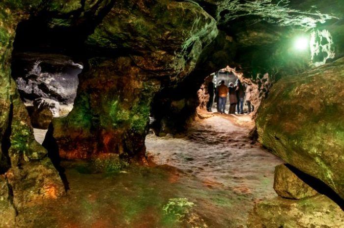Один из залов пещеры Вертеба, современный вид. /Фото: lookmytrips.com