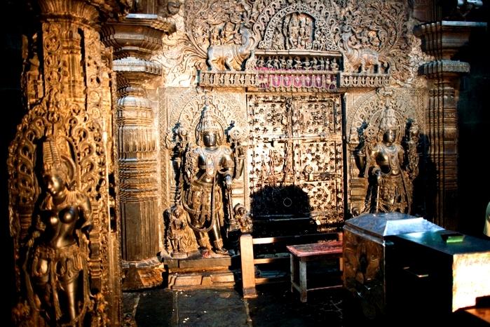 Сокровищ в храме так много, что из никак не могут сосчитать. /Фото: golos.io