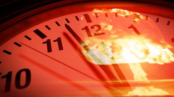 Часы, которые предупреждают о глобальной катастрофе. /Фото: russian.rt.com