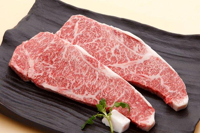 Даже в сыром виде это мясо выглядит дорого. /Фото: restoclub.ru