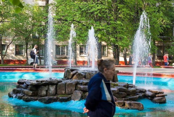 Фонтан в экспериментальном 9-м квартале. /Фото: rbth.com
