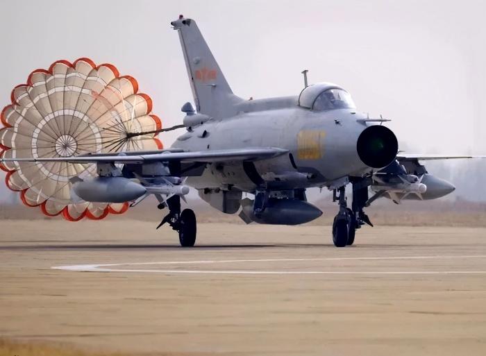 Последняя модификация известного советского истребителя в китайском исполнении. /Фото: sohu.com