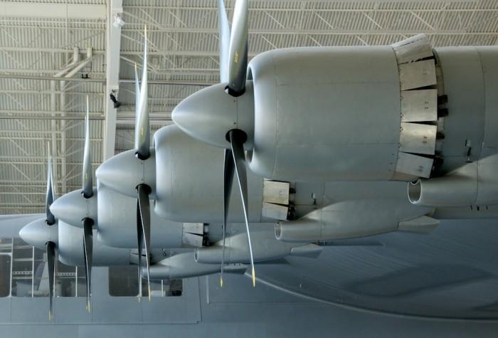 Машину должны были поднять в небо восемь огромных моторов. /Фото: flickr.com