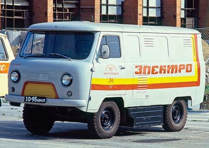 Мало кто знает, что советский электроУАЗик до сих пор работает на одном из заводов. /Фото: car.ru