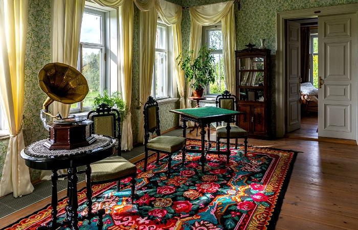 Максимально детальное воссоздание обстановки 19 века. /Фото: livejournal.com