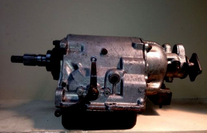 Автоматическая коробка передач ГАЗ-14. /Фото: avito.ru