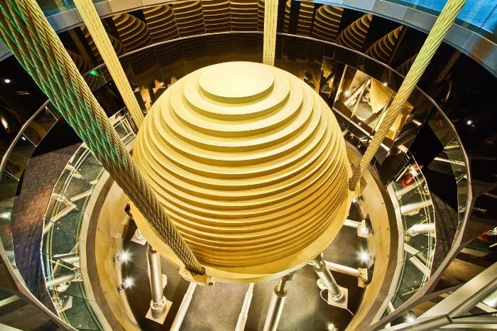 Легендарный маятник азиатского небоскреба. /Фото: masterokblog.ru