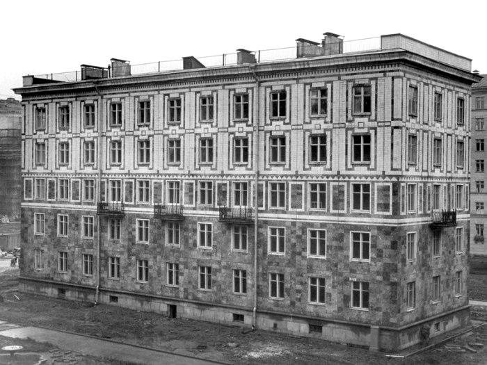 Дом 10 по улице Полярников в Ленинграде сразу после строительства. /Фото: wikipedia.org