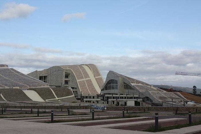 Красивые архитектурные сооружения стоят пустыми и заброшенными. /Фото: archi.ru