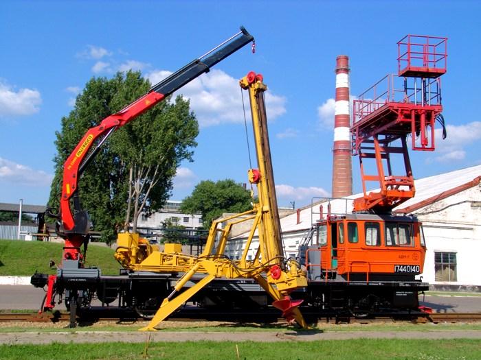 Монтажно-восстановительная автомотриса АДМ-1С . /Фото: twlwsixt.appspot.com