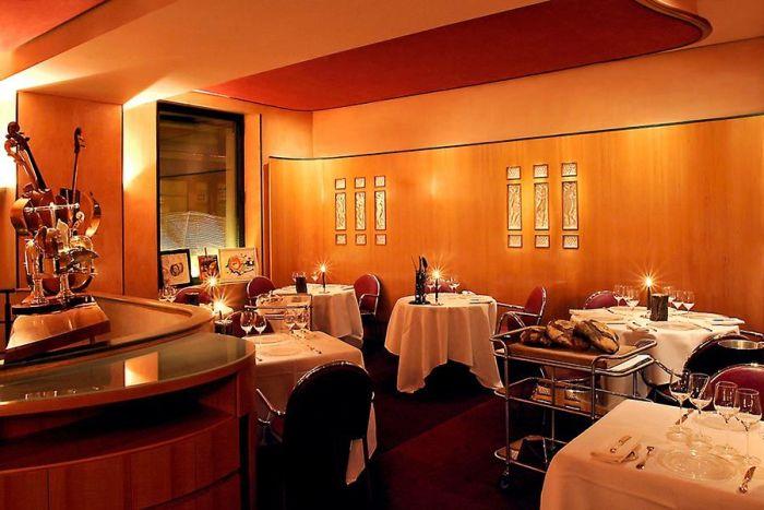 Теплый интерьер и уникальная кухня в сердце Франции. /Фото: wp.com