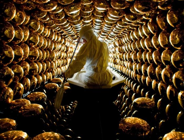 Процесс работы в детекторе нейтрино нетривиальный и при этом увлекательный. /Фото: messynessychic.com