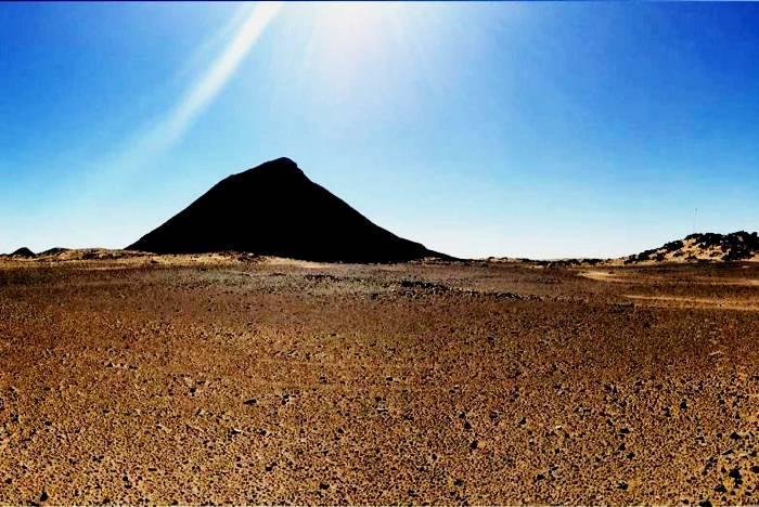 И Египет, и Судан всеми силами пытаются откреститься от ненужного клочка земли. /Фото: iphsph.ru