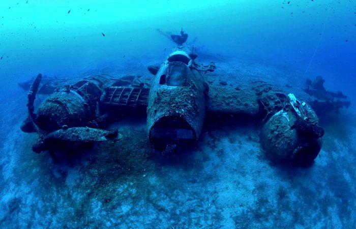 Военный истребитель, неплохо сохранившийся до наших дней. /Фото: seal-superyachts.com