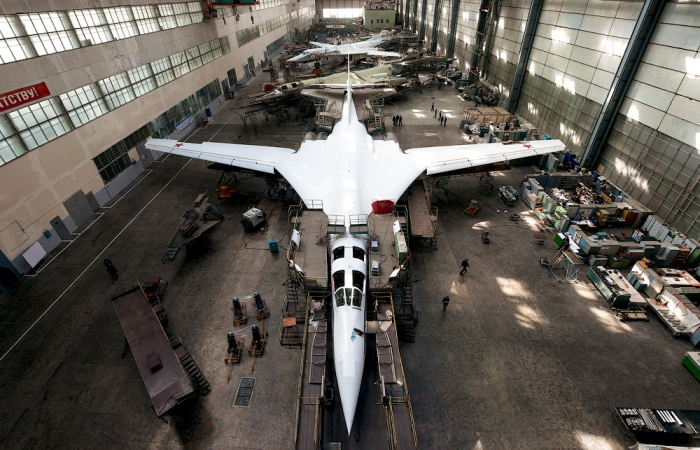 Переоборудование «Белого лебедя» в пассажирский самолет подано в статье с детализацией. /Фото: livejournal.com