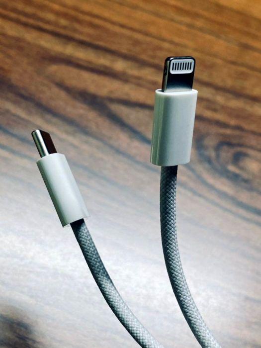 Возможный вид неубиваемого кабеля от Apple. /Фото: itsider.com.ua