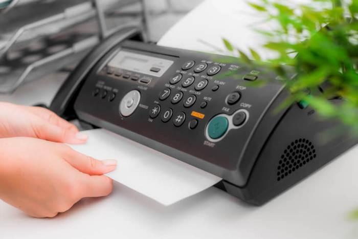 Электронная почта давно вытеснила громоздкий гаджет. /Фото: express-mailing.com